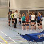 Meisjes C Plus van Soest-AGAVS krijgen clinic van oud Oranje speelster Caroline Wensink